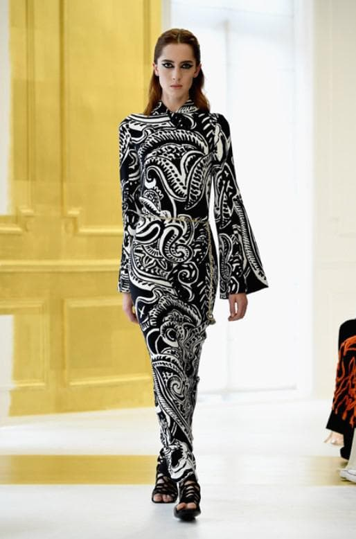 Монохромное вечернее платье от Dior