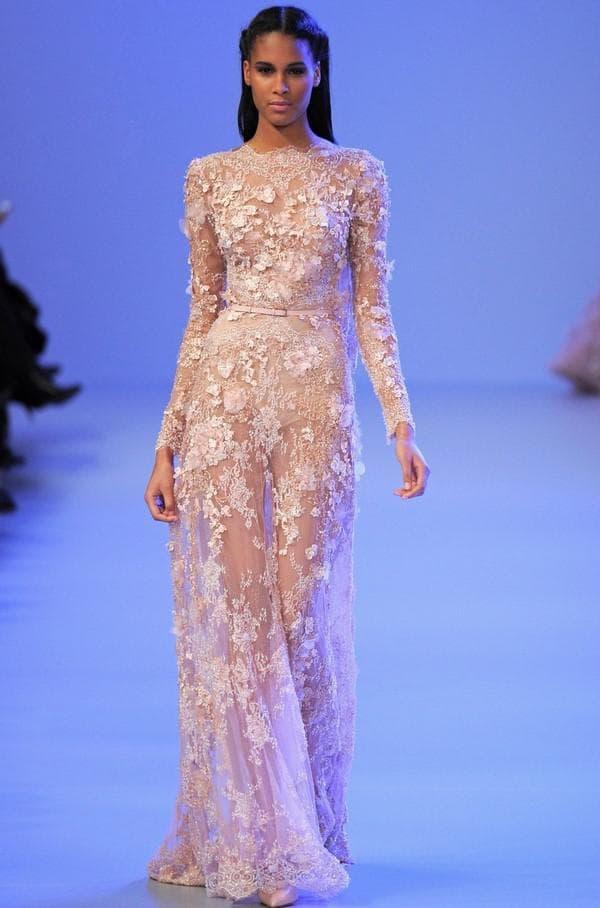 Дизайнерское кружевное свадебное платье в пол