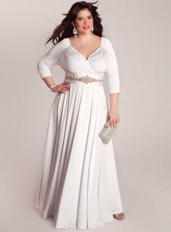 Длинное свадебное платье с рукавами для полных