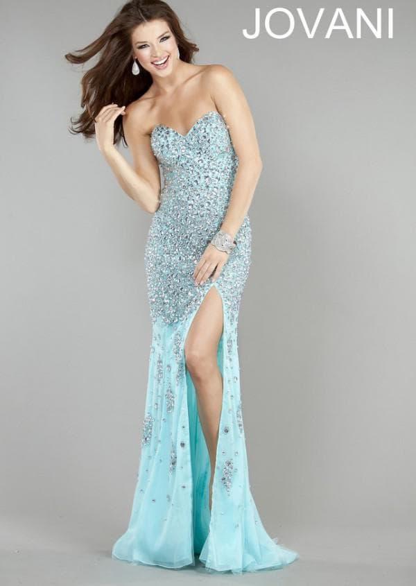 Сверкающее голубое вечернее платье