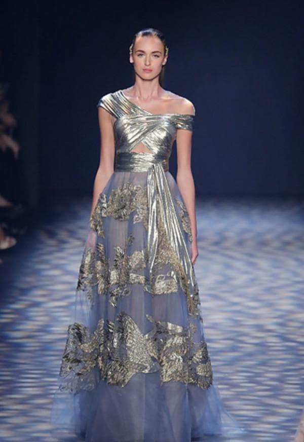 Серебрянное длинное вечернее платье