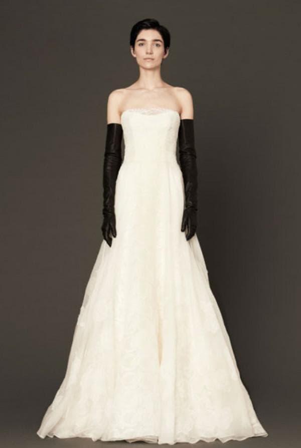 Белое свадебное платье в пол