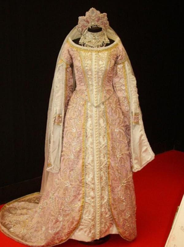 Платье для венчания в русском стиле