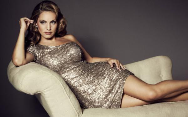 Блестящее вечернее платье для полной женщины