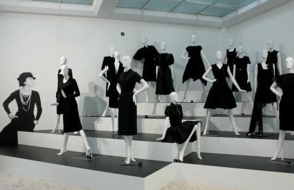 Фасоны маленького черного платья