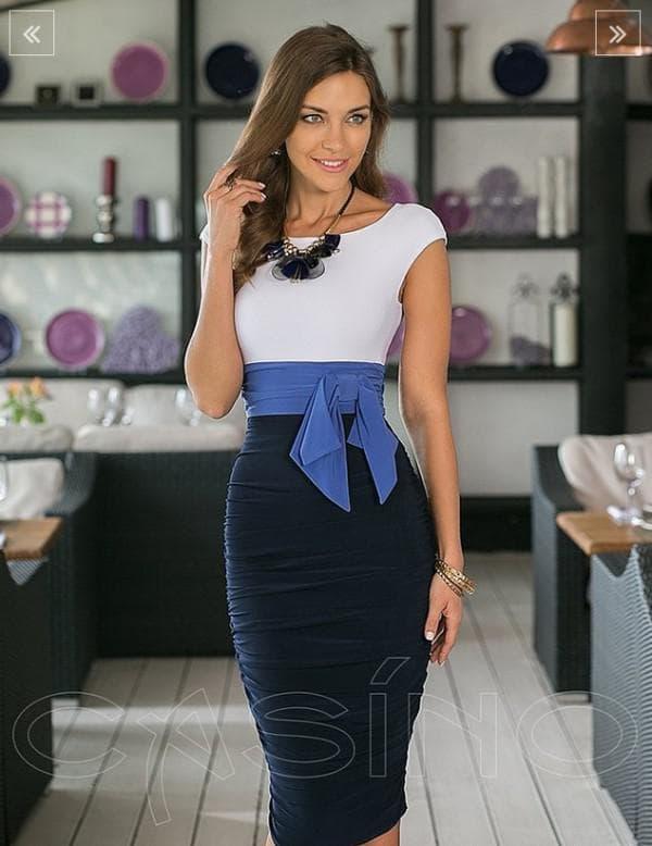 Облегающее платье в офис