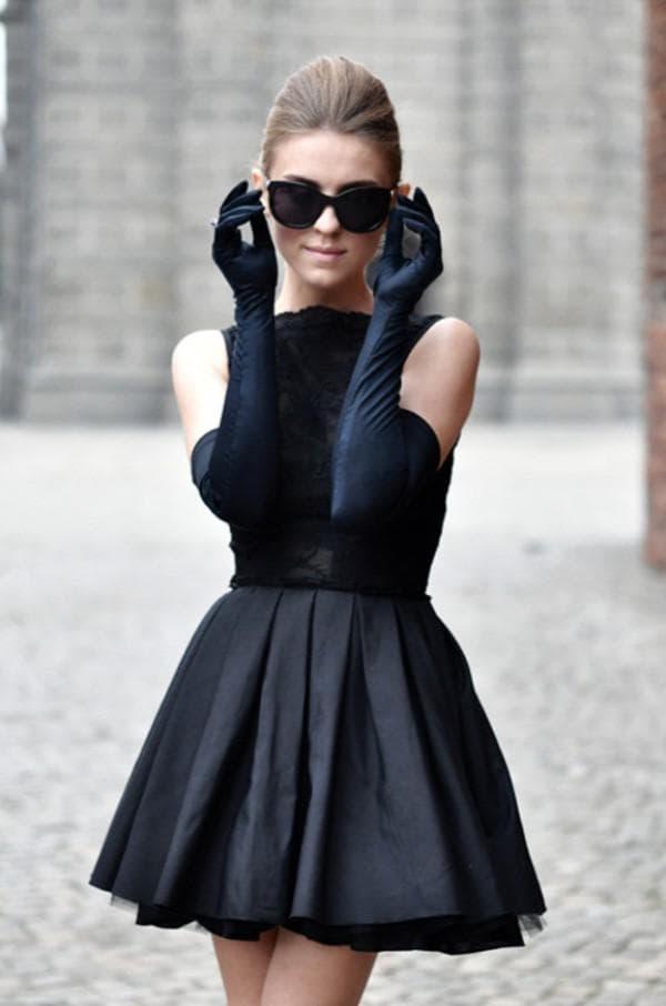 Маленькое черное платье мини