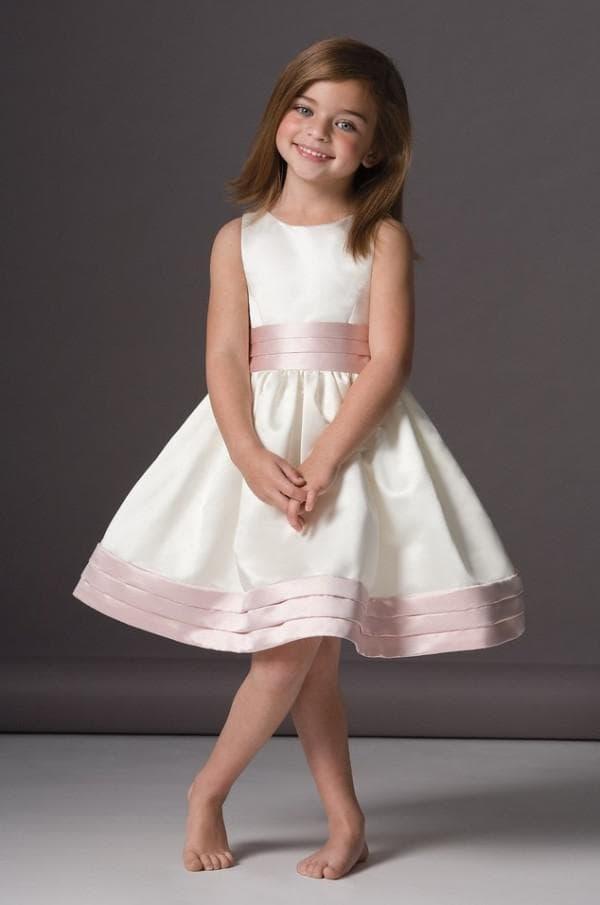 Атласное платье на новый год для девочки