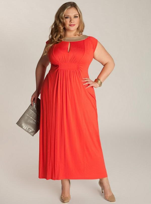 Коралловое новогоднее платье большого размера