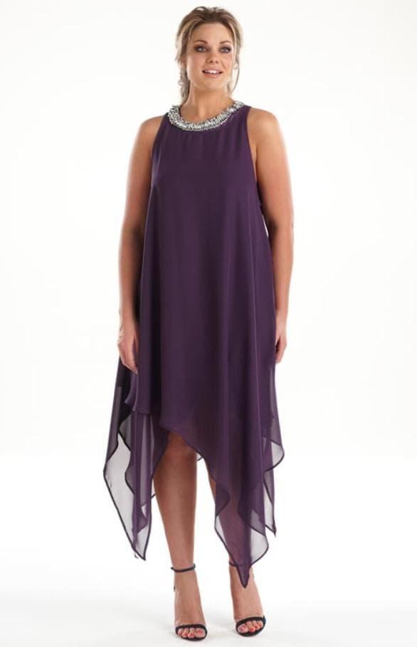 Шифоновое платье с асимметричным подолом для полных