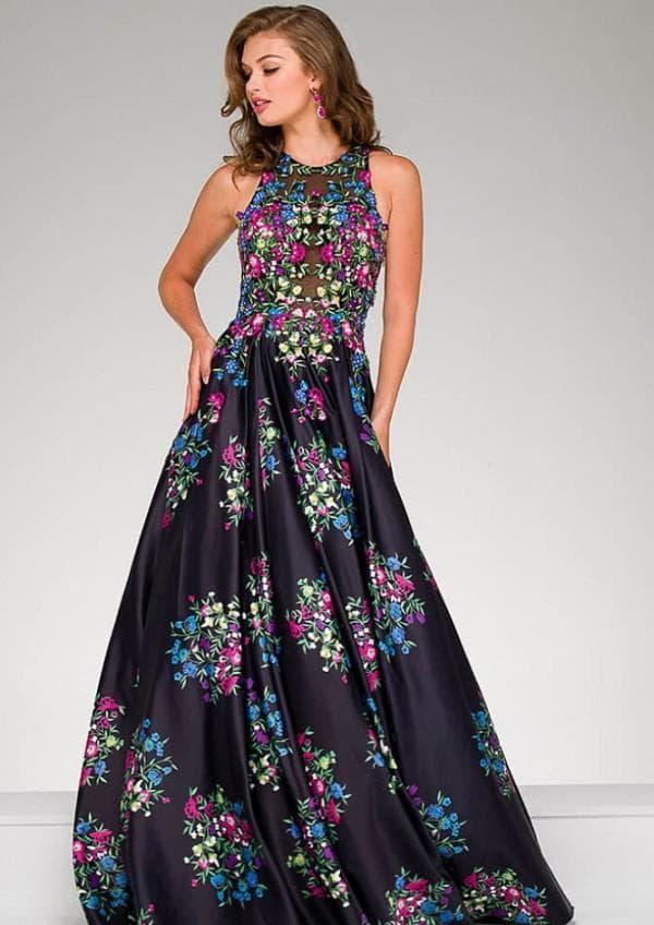 Длинное платье в цветочек на выпускной