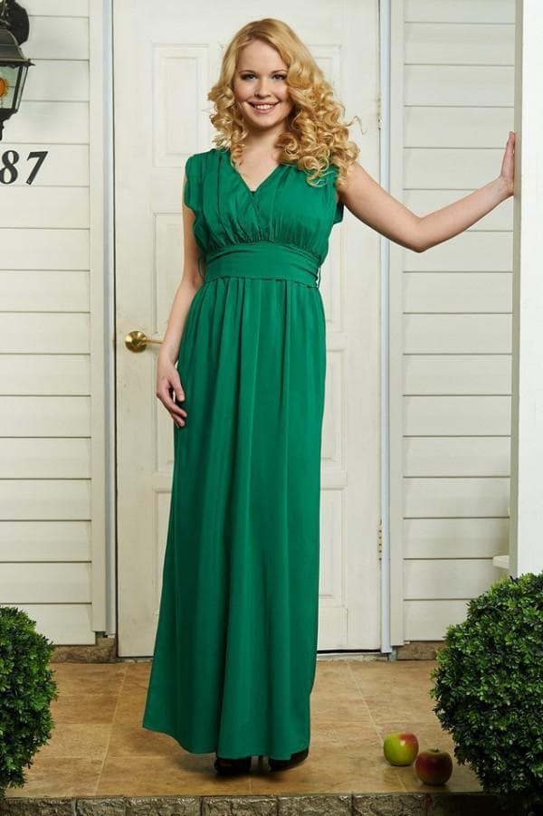 Зеленое платье в пол для беременной