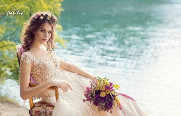Изысканное свадебное платье в стиле бохо шик