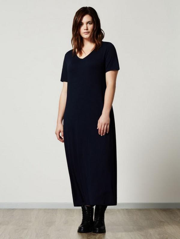 Темно синее платье макси из денима