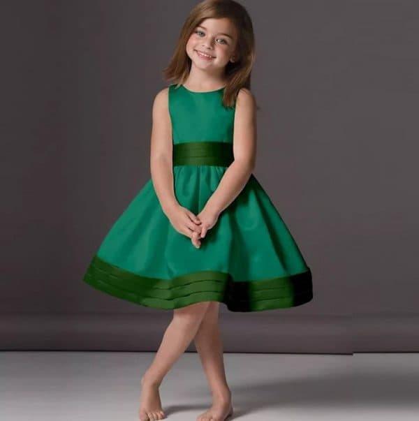 Зелёное праздничное платье для девочки