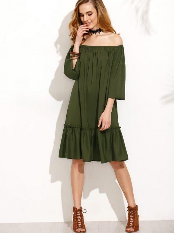 Кокетливый образ с платьем цвета хаки