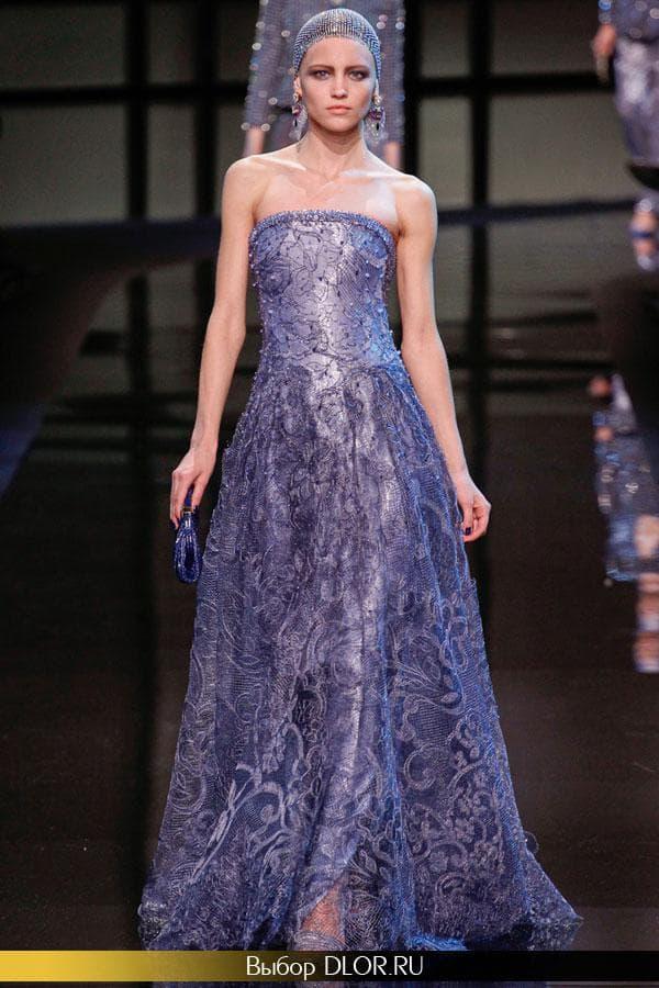 Фото синего кружевного платья в пол