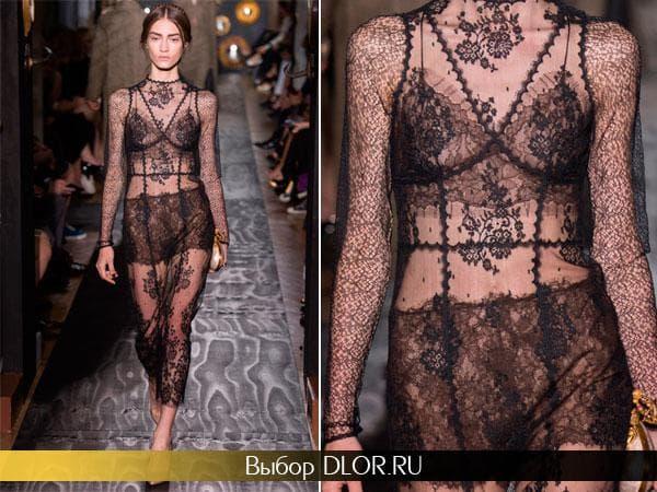 Черное гипюровое платье от Валентино