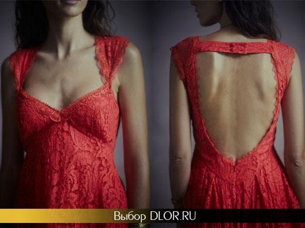 Кружевное платье с глубоким вырезом на спине