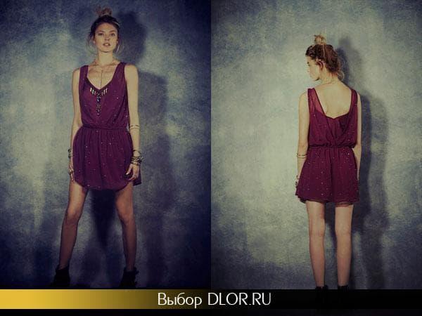 Шифоновое бардовое платье украшенное бусинками