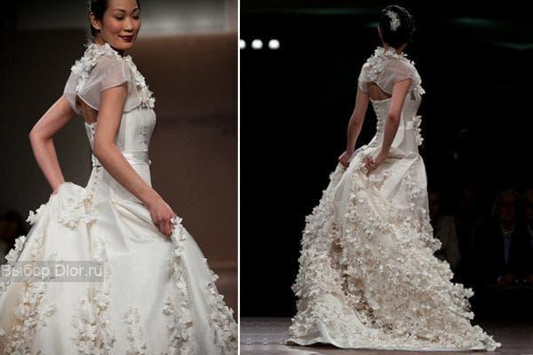 Платье украшенное цветами и камнями